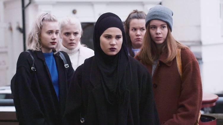 Selv om noen 16-åringer følte at «Skam» mistet dem da «alle» andre fulgte etter, så har serien tatt opp svært viktige temaer. Foto: NRK